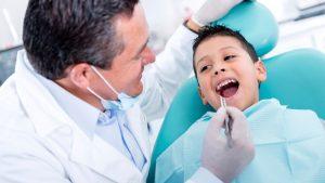 متخصص دندانپزشکی کودکان چه کاری انجام میدهد؟