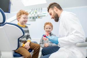 مراجعه به متخصص دندانپزشک اطفال