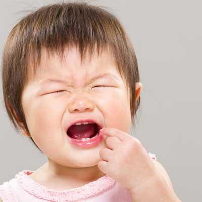 4 - هنگام دندان درد کودک چکار کنیم؟