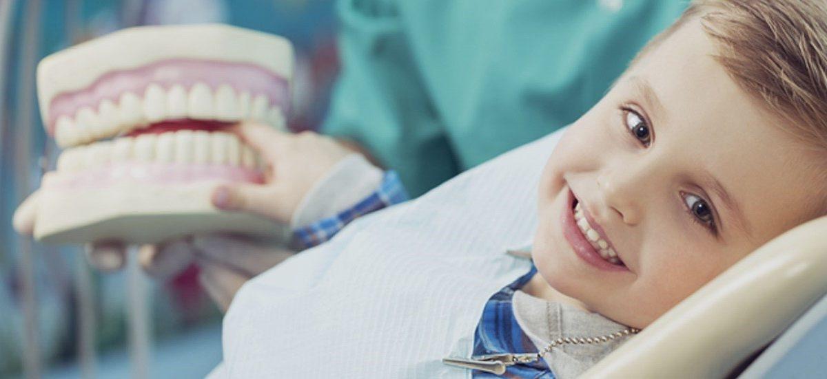 10 1200x551 - نکات مهم برای حفظ زیبایی لبخند کودک