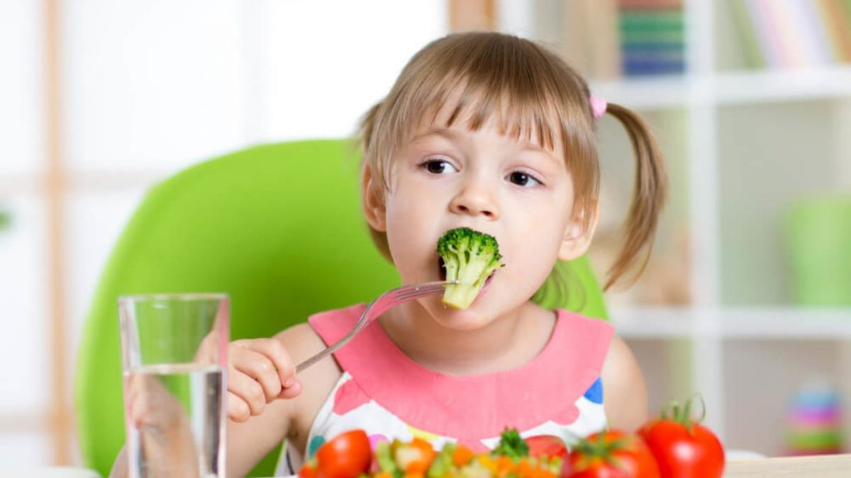 3 1200x675 - ویتامین ها و مواد معدنی ضروری برای سلامت دندان کودکان