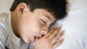 مزایا و معایب پستانک برای کودکان