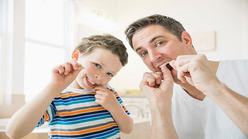 نخ دندان و کودکان