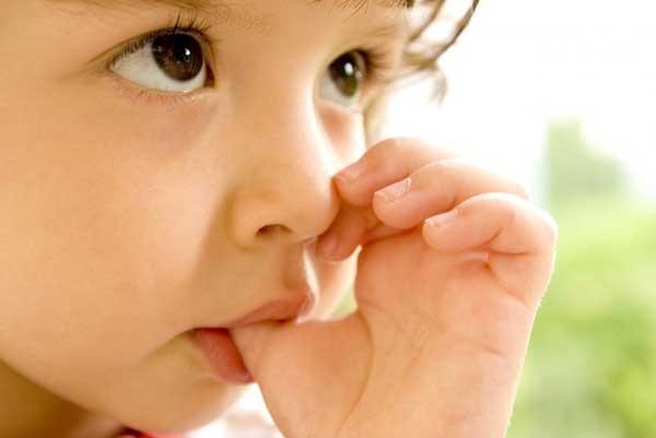 جلوگیری از کج شدن دندان کودکان